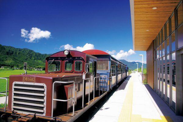 「南阿蘇鉄道高森線|トロッコ列車ゆうすげ号」のアイキャッチ画像