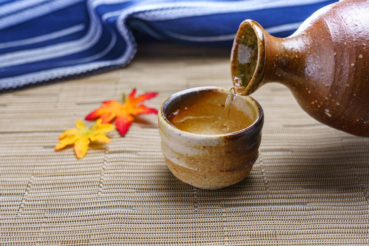 日本酒の飲み方!美味しい温度と基礎知識、アレンジレシピを網羅のアイキャッチ