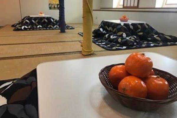コタツで暖を取りながら世界最大規模のうずしおを楽しむ「淡路島こたつクルーズ」開催中のアイキャッチ