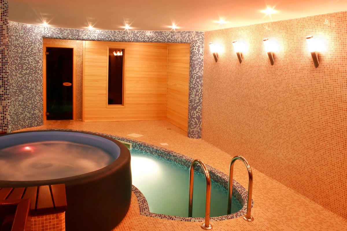 サウナ効果を上げる水風呂の入り方。入浴方法と温冷浴の極意を伝授のアイキャッチ