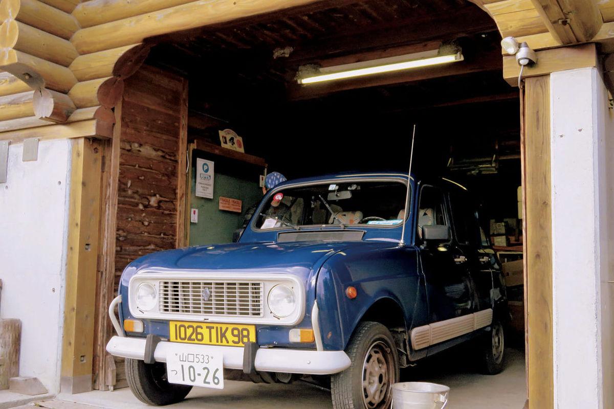 ビルトインガレージのログハウス。立地の問題を克服して手に入れた夢の形〈山口県 O邸〉|木の家のビルトインガレージのアイキャッチ