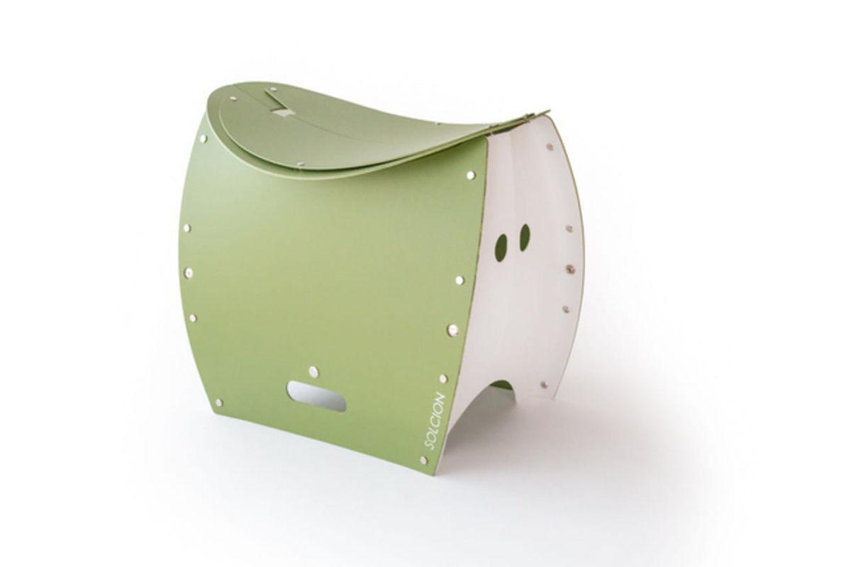 椅子・ごみ箱・トイレの1台3役。アウトドアや災害時に役立つ機能性スツール「Patatto 350+」のアイキャッチ