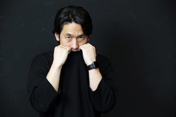 「ネット依存を自覚する日本一のフリー素材モデルが「ネットから逃げ出したい」と語る理由 大川竜弥」のアイキャッチ画像