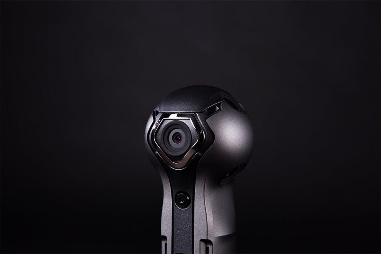 スマホ不要で即ライブ配信もOK。360度を高画質で撮影&録画できる高性能全天球カメラ「Rogy 360」のアイキャッチ
