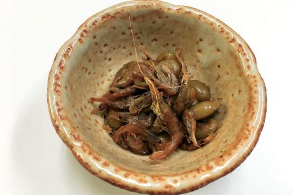 「琵琶湖産エビを使った滋賀の郷土料理 「えび豆煮」<滋賀県・魚三>|ビールに合うお取り寄せ酒肴」のアイキャッチ画像
