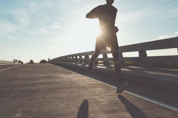 「夏に活躍するおすすめネックゲイター5選|ランニング・登山・スポーツに」のアイキャッチ画像