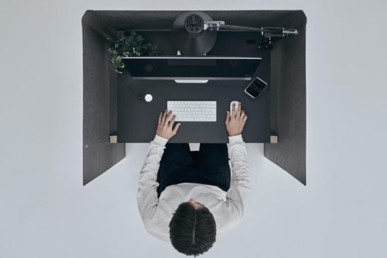3分で組み立てるミニ書斎。家でも仕事に没入できるソロワークスペース「Think Lab HOME」のアイキャッチ