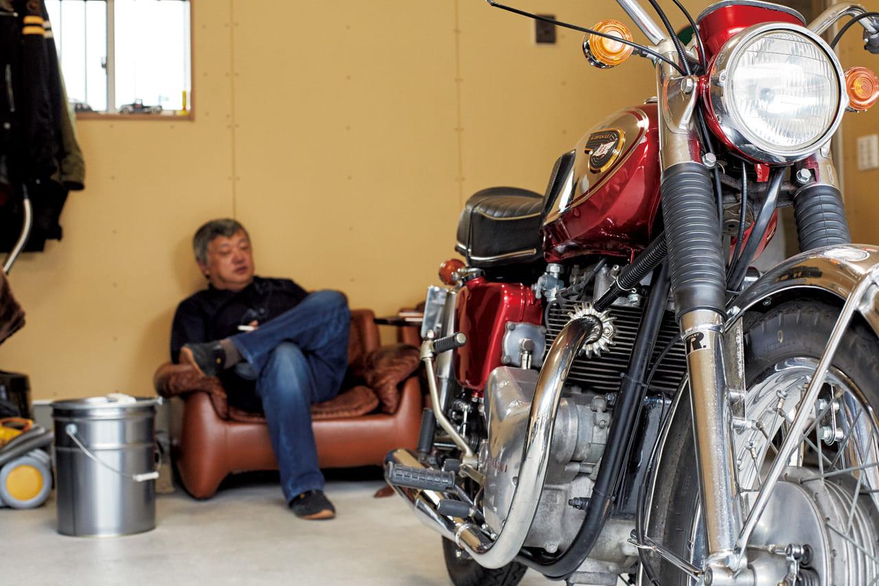 ガレージ最高!旧車最高!人気の名車で走りを楽しむ「カワサキ W1」(1968/日本)|男がハマるクラシックバイクのアイキャッチ