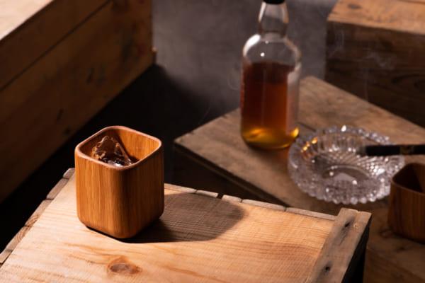 「ウイスキーは木で味わえ!キャンプでも活躍する無垢オーク製の贅沢な「MijMojオークタンブラー」がMakuakeで2月27日(木)まで先行販売中」のアイキャッチ画像