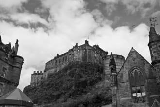 「五大ウイスキーの筆頭はいつ生まれたのか?激動のスコットランド王国とウイスキー史(15世紀~19世紀)|whisky History」のアイキャッチ画像