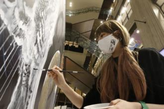 """「「マンガライブペイント」という新しいアート活動で話題の""""MANGAライブペインター内田慎之介""""のスペシャル・パフォーマンスは要注目だ」のアイキャッチ画像"""