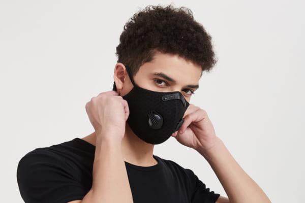 「ファッション的にも注目? マスクの息苦しさ・不快感を軽減するバルブ機能付きマスク「Mr.VALVE」。1日中つけていても快適」のアイキャッチ画像