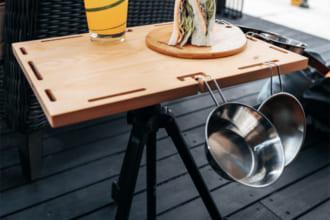 「カメラ三脚をモバイルテーブルに!アウトドアでも使える国産ヒノキのテーブルが良さそう」のアイキャッチ画像