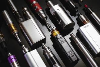 「人気上昇中の電子タバコ「VAPE(ベイプ)」でおすすめのスターターキットやリキッドを紹介」のアイキャッチ画像