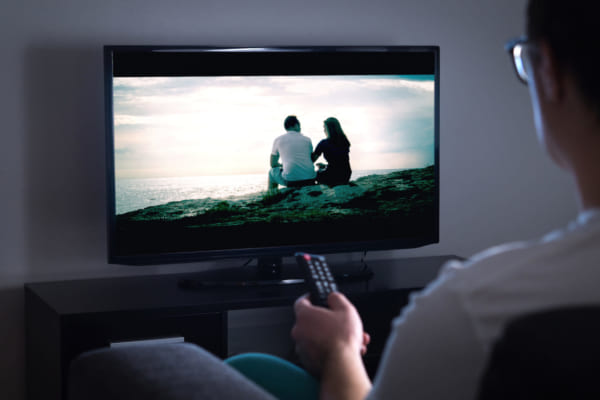 「海外テレビシリーズウォッチャーのキャサリンがオススメする 隠れ家でこっそり鑑賞したい超過激! な配信作品」のアイキャッチ画像