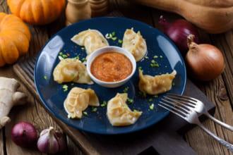 「インド料理とは違う!「ネパール料理」の魅力とおいしさ おすすめネパール料理13選」のアイキャッチ画像
