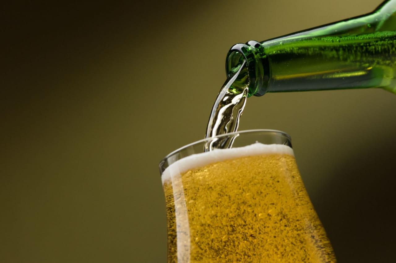 飲み比べて楽しい。おすすめの「ノンアルコールビール」を8つ紹介!|飲んだあとの運転はOK?のアイキャッチ